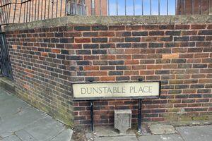 Dunstable Place