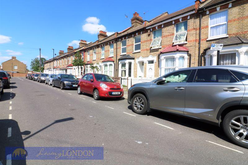 Buckstone Road