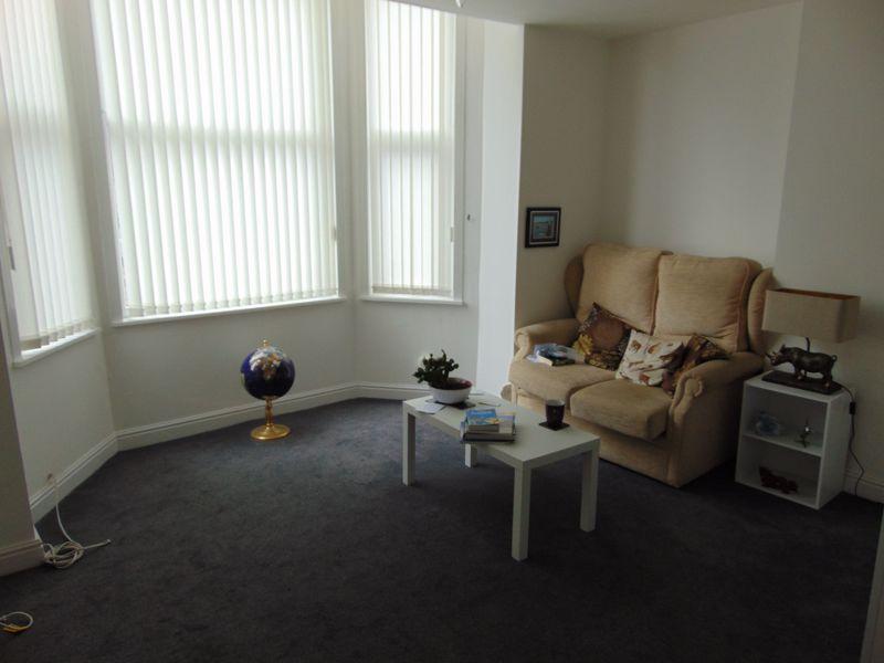 Flat 9 lounge