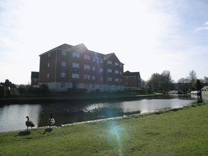 Quayside Walk Netherton