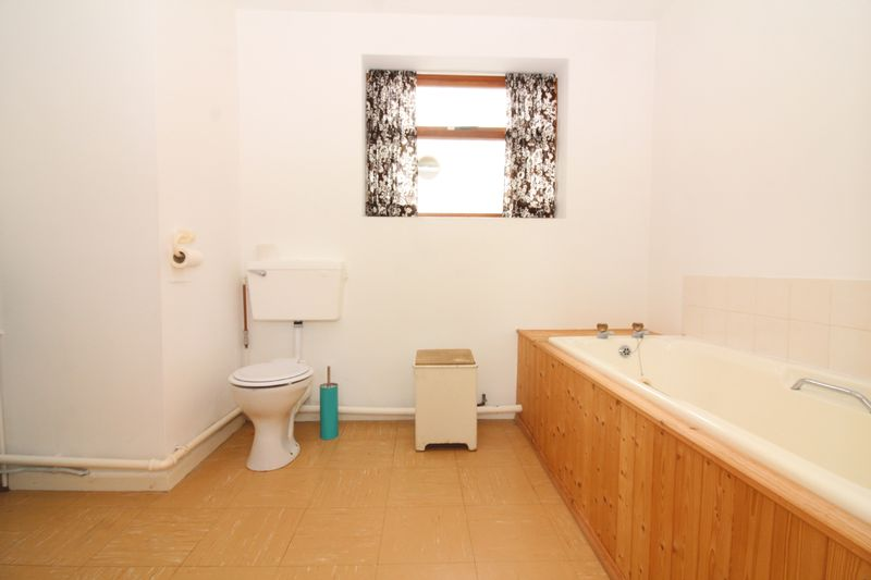 Ground Floor EnSuite Bathroom