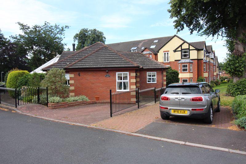 Churns Hill Lane Himley