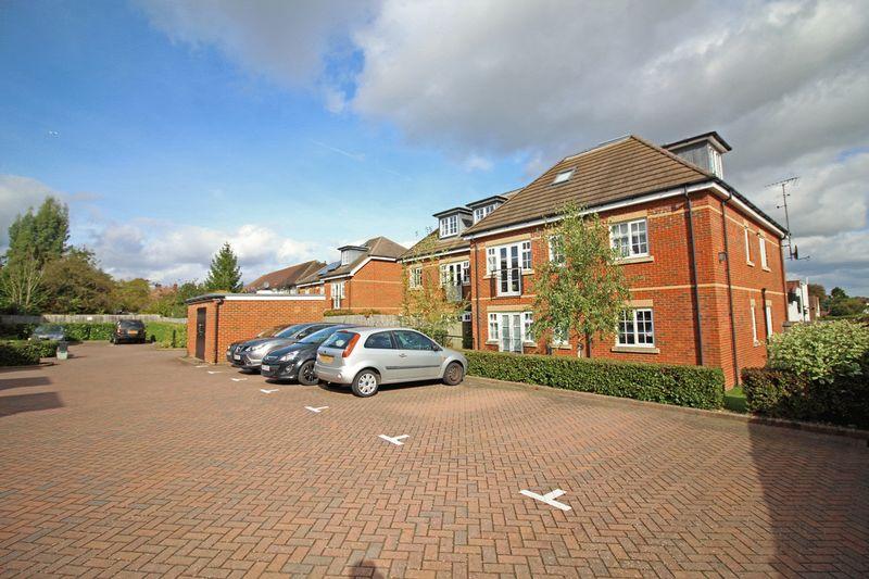 Limpsfield Road