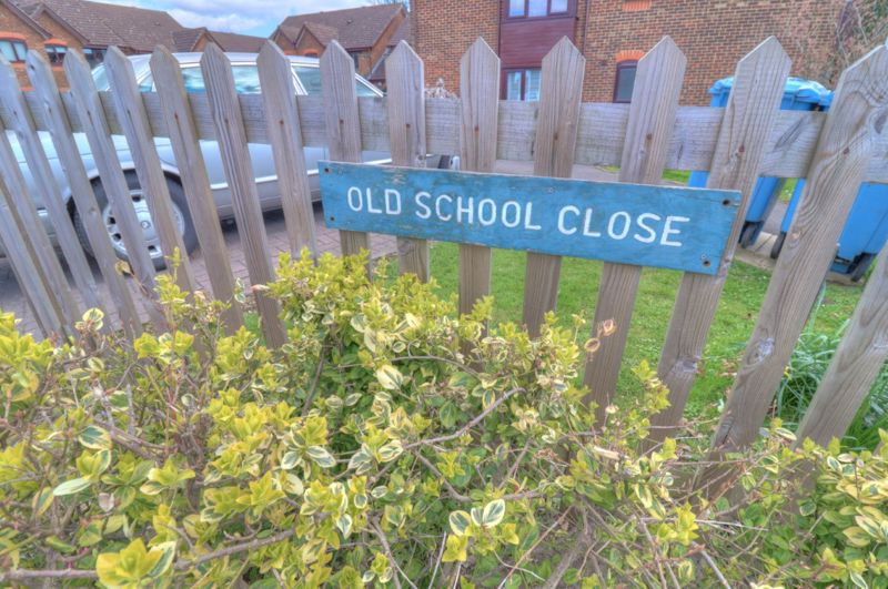 Old School Close Stokenchurch