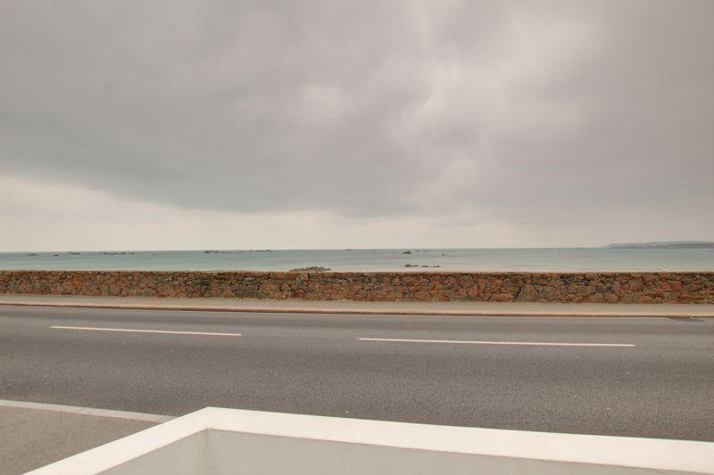 La Grande Route De La Cote St. Clement