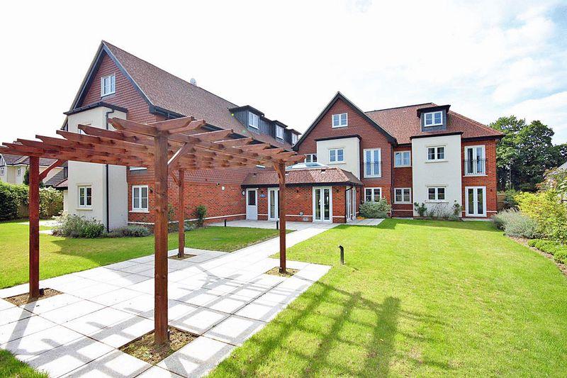 Fir Tree Court, Limpsfield Road