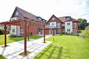 Fir Tree Court, Limpsfield Road
