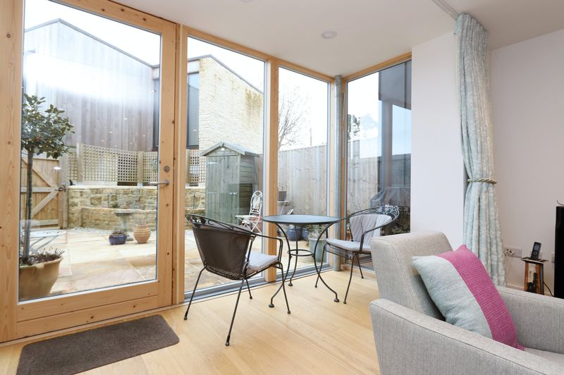 Bi-folding doors to rear
