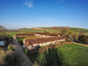 Manor Farm Barns, East Dean