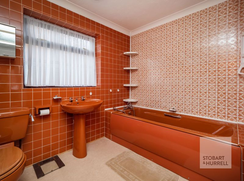 Bath & Shower Room