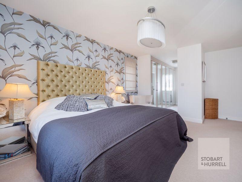 Master Bedroom Through To En-suite