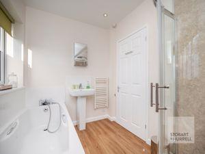 Barn Bath & Shower Room