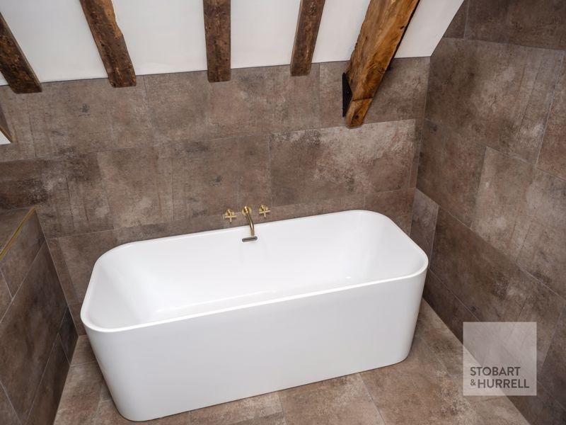 Bedroom 3 En-Suite Bath
