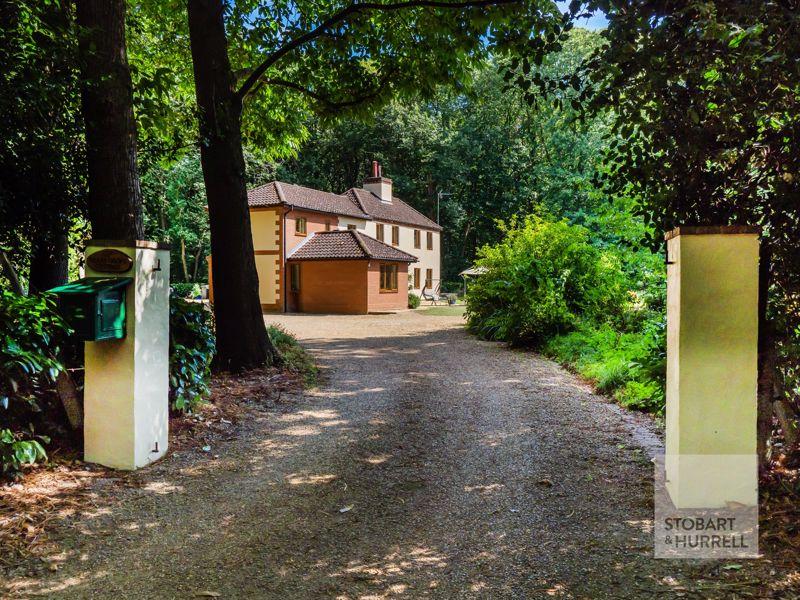 Bear's Grove Salhouse