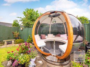 Garden Pod Lounger