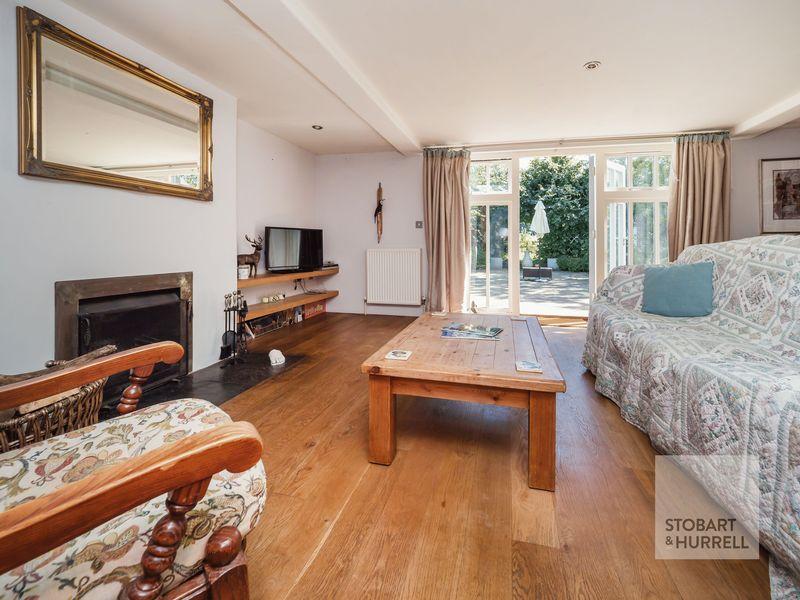 Lounge through Terrace