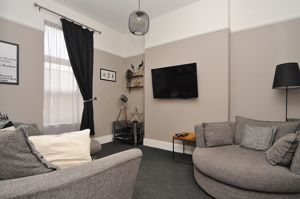 Sitting Room/Bedroom 3