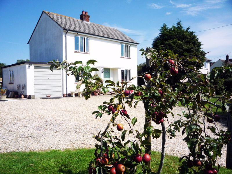 Hedge Lane Pylle