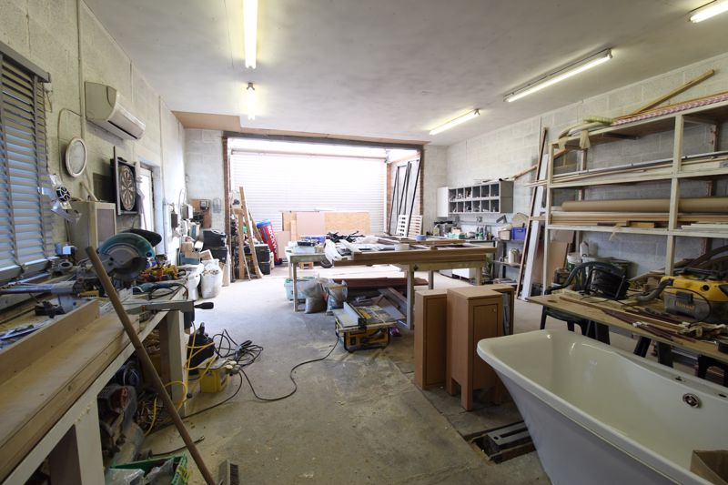 Workshop/Garage