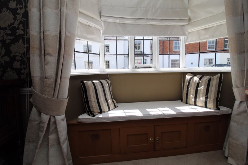 Sitting Room Bay Window & Box Seat