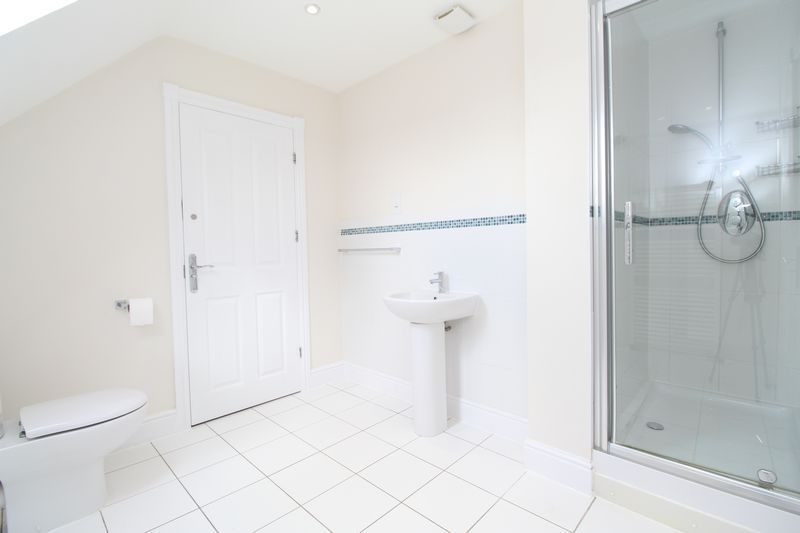 Jack And Jill En-suite To Bedroom Two & Three