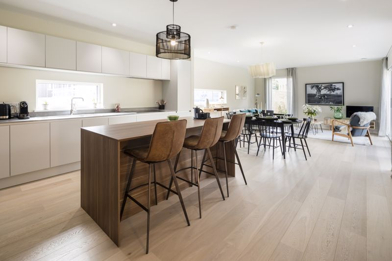 Show home kitchen dining