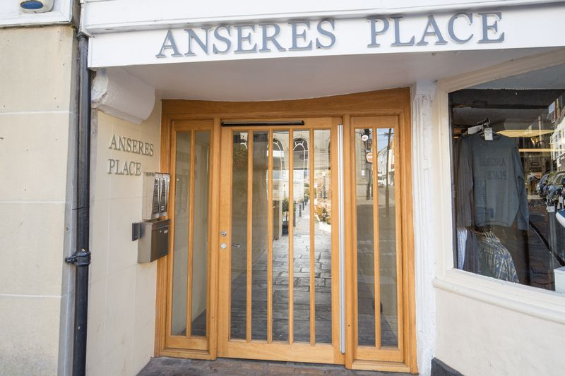 Anseres Place Wells
