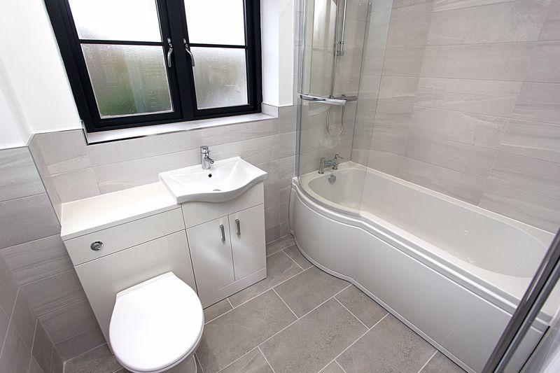 Bathroom (image of apt 5)