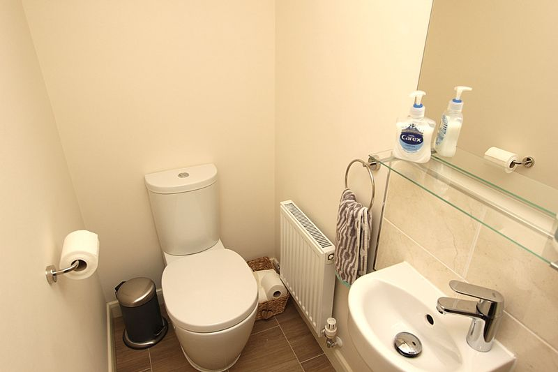 Fitted Guest's Cloakroom