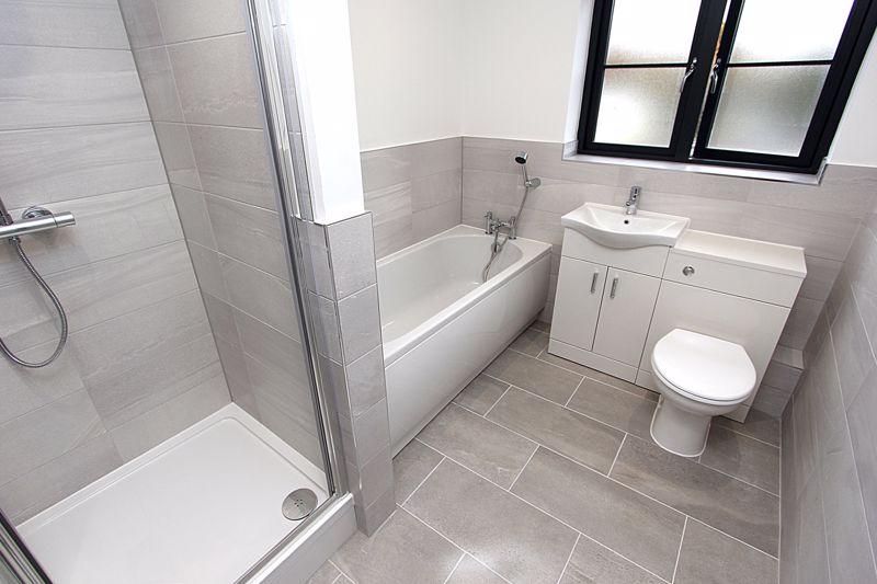 Bathroom (image of apt 6)