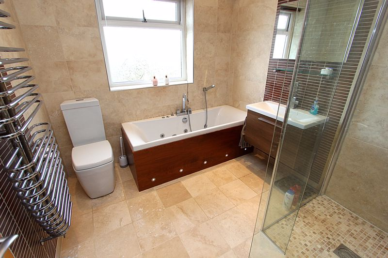Principal Bathroom