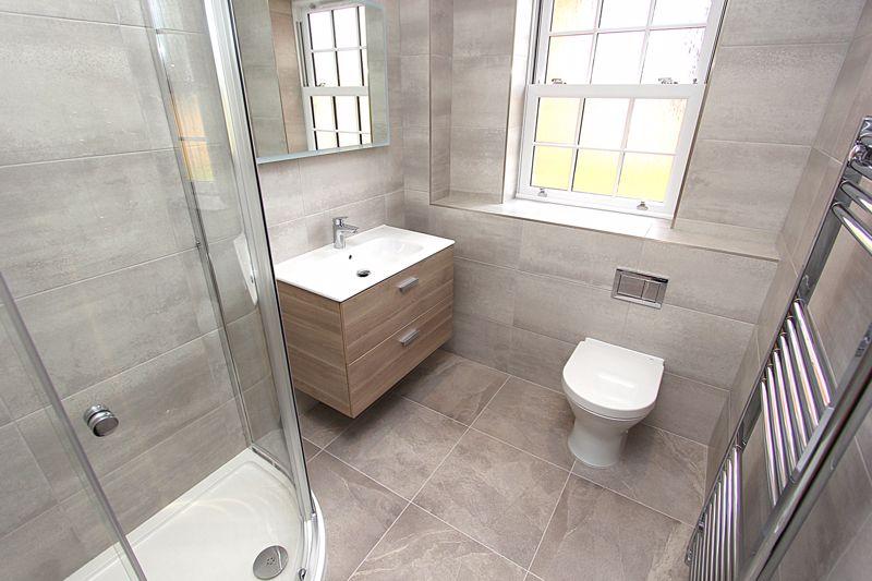 Shower Room (image of number 1)