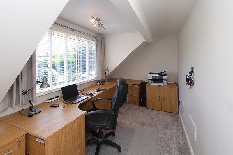 Bedroom 4/Home Office