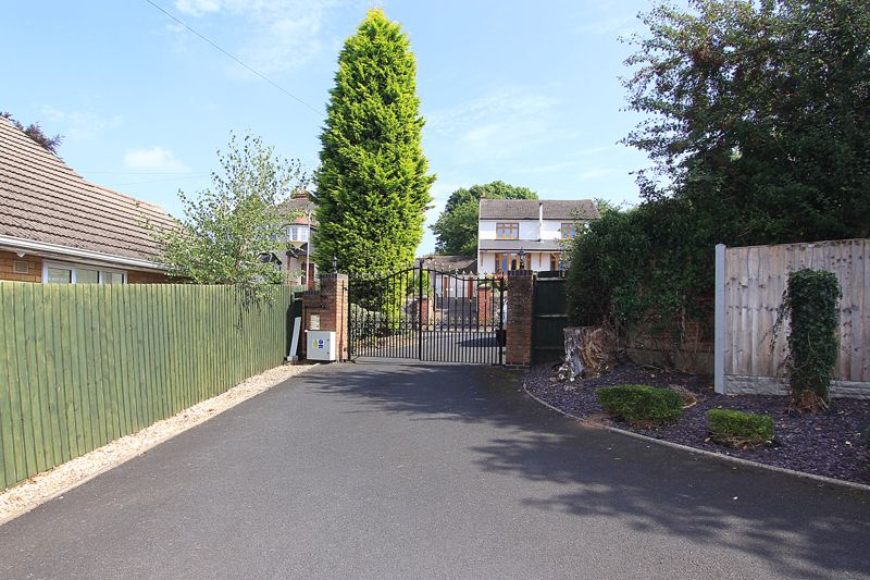 Gated Private Drive