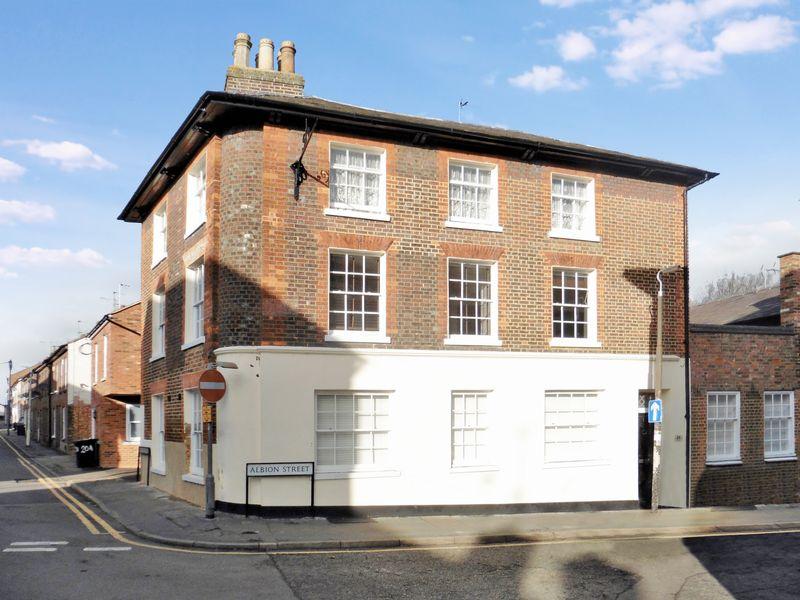 24 Albion Street