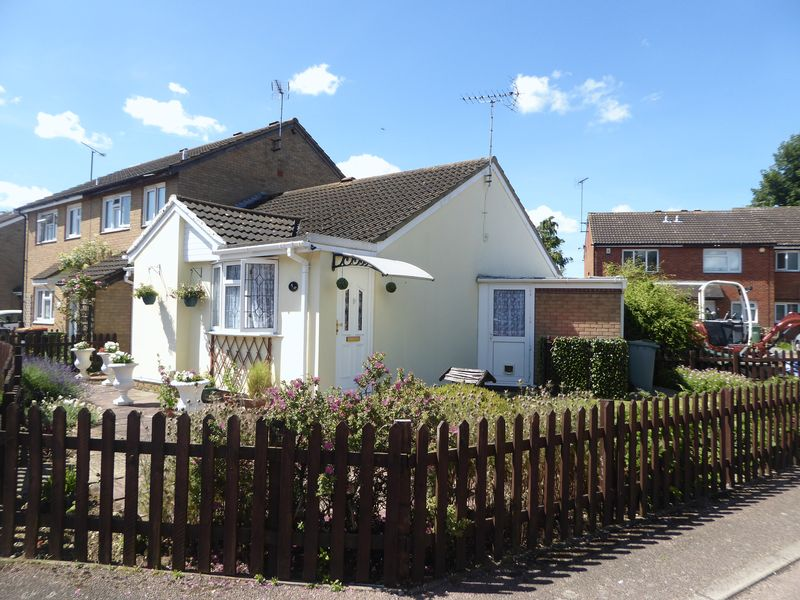 Cumbria Close Houghton Regis