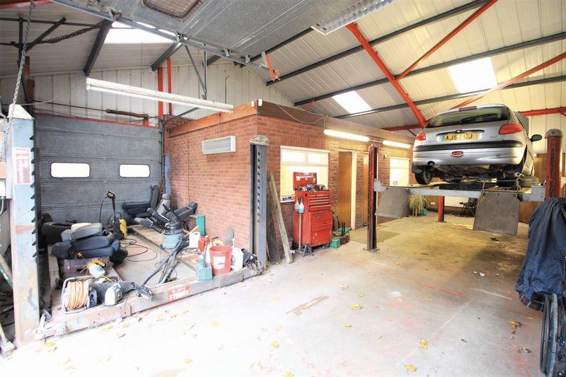 Five Acres Garages East Heslerton