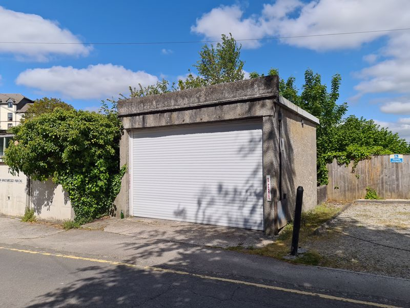 Garage at Kensey Place