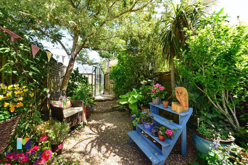 Braishfield Gardens
