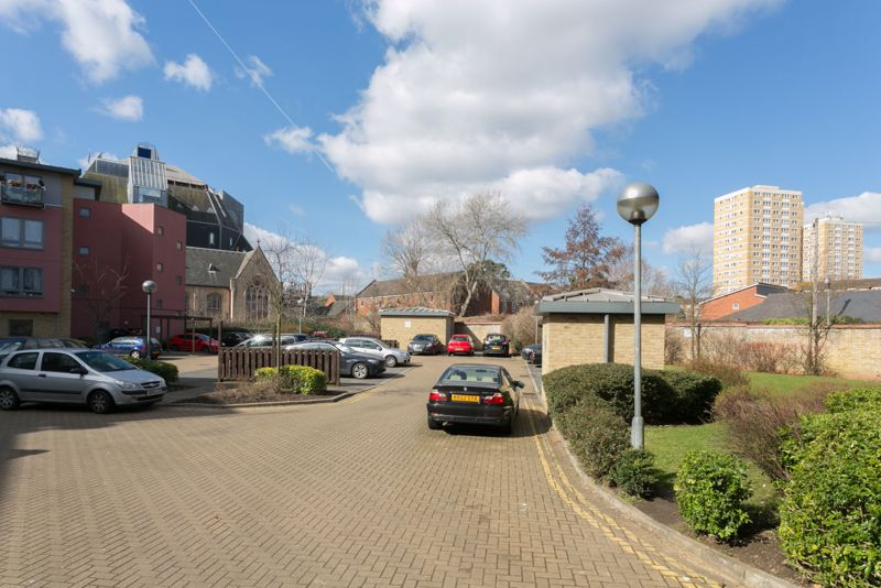 Winkfield Road
