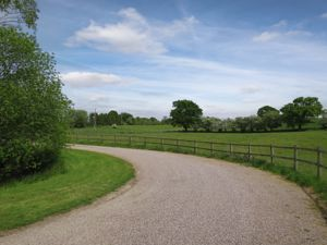 New Road Moreton