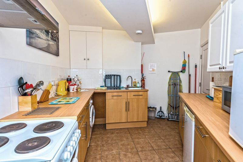 Cliff Apartments Lon Y Don