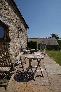 Widecombe Cottage patio area