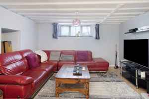 Cottage 3 sitting area