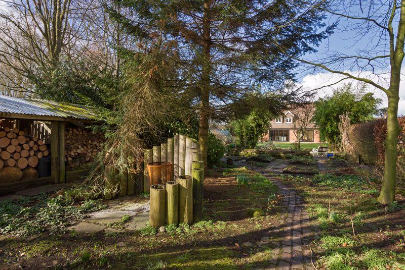 Moss Lane Baldwins Gate