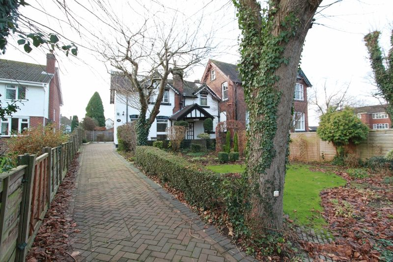 Oaktree Road Trentham