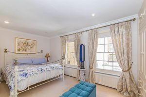 Warwick Place North Pimlico
