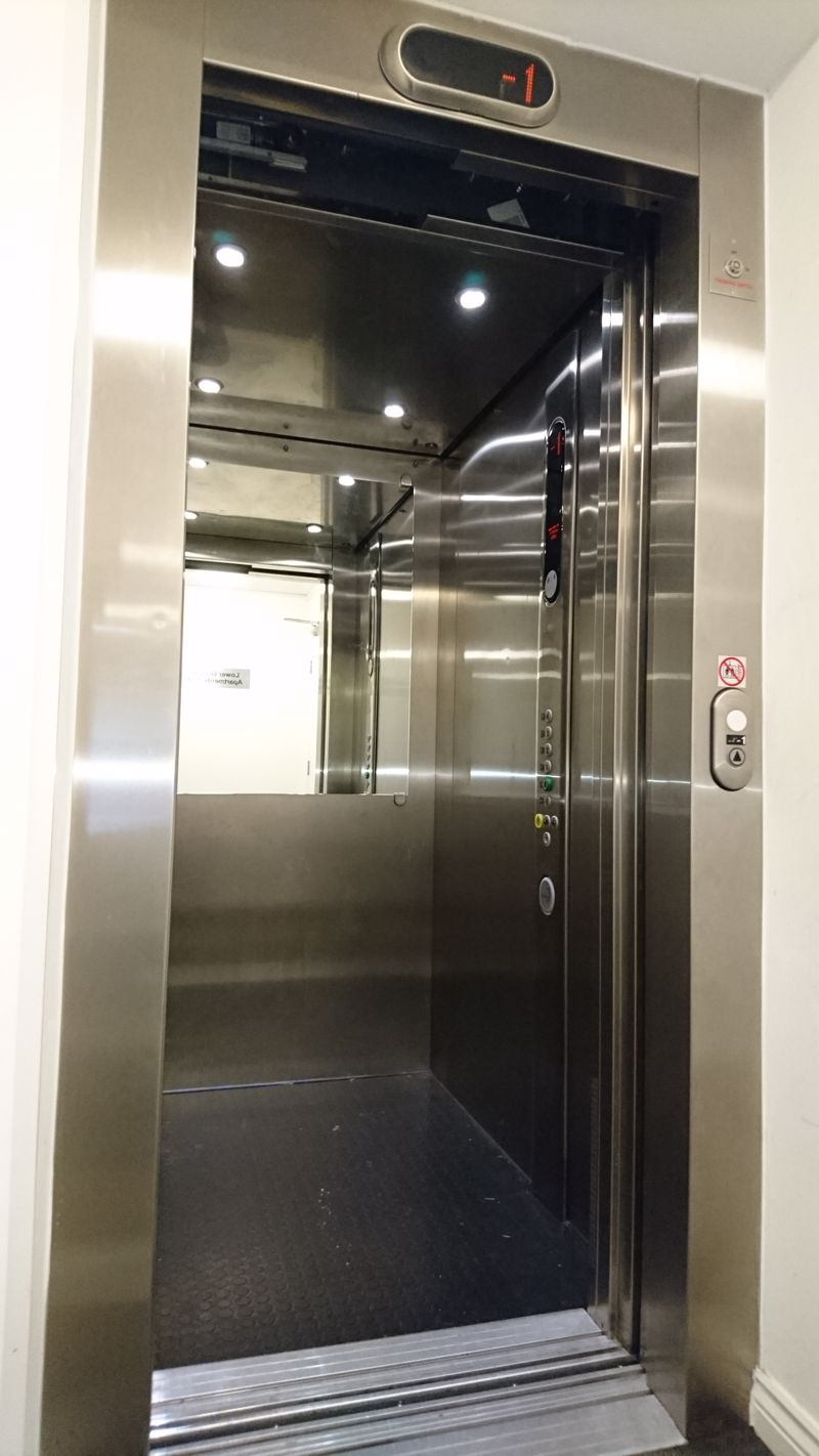 LIFT TO APARTMENTS