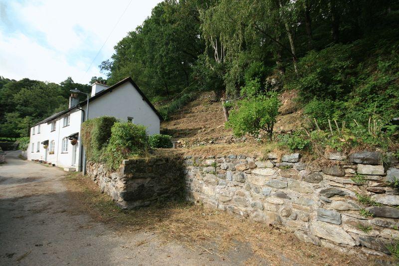 Fairy Glen Road Capelulo