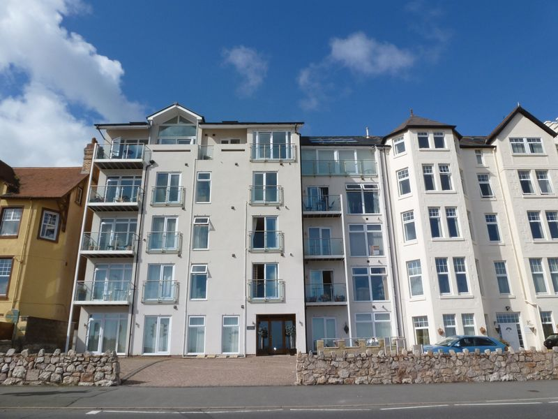 Balmoral Apartments Rhos On Sea